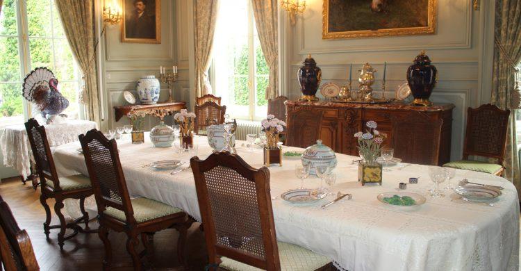 Service de la Compagnie des Indes – Salle à manger de l'hôtel P. de Laurière